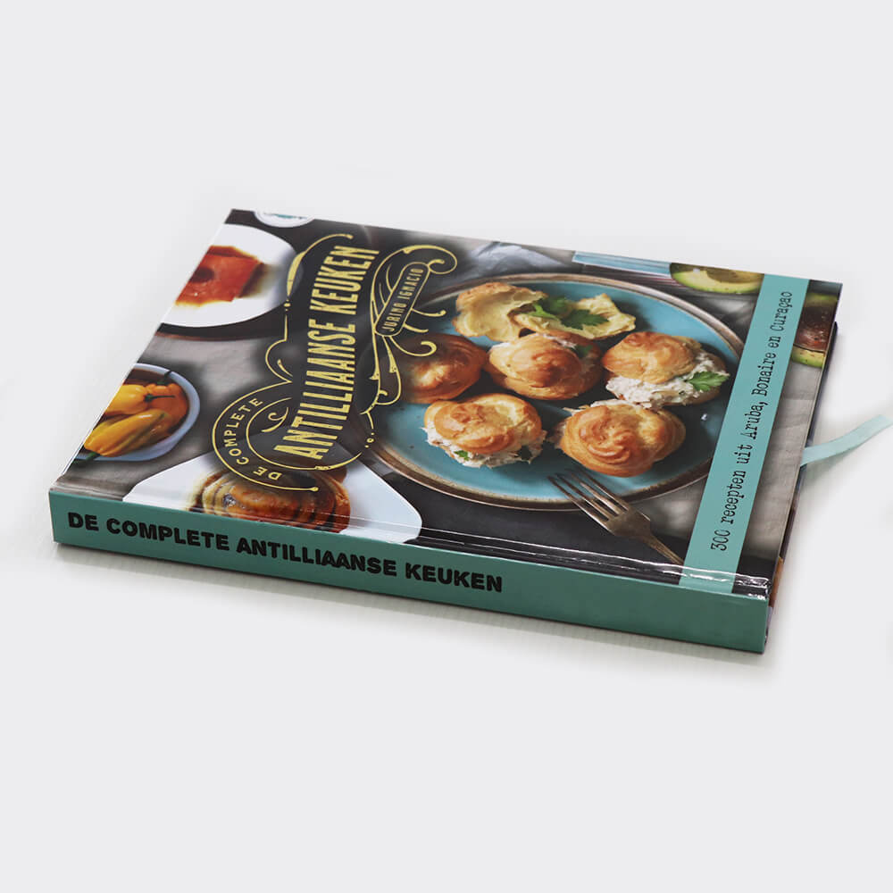 Personalized Cookbooks - Make the Best Custom Receipt Book Online.JPG